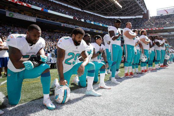 Colin Kaepernick a encore boycotté l'hymne américain, la polémique prend de