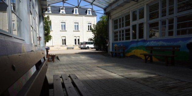 À Beaumont-en-Véron, visite guidée dans le premier centre de déradicalisation de France, le château de
