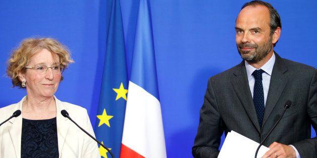 Le Premier ministre Edouard Philippe et la Ministre du Travail Muriel Pénicaud lors d'une conférence...