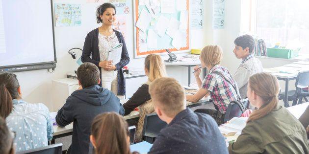 Professeurs de français, nous n'enseignerons pas le prédicat.