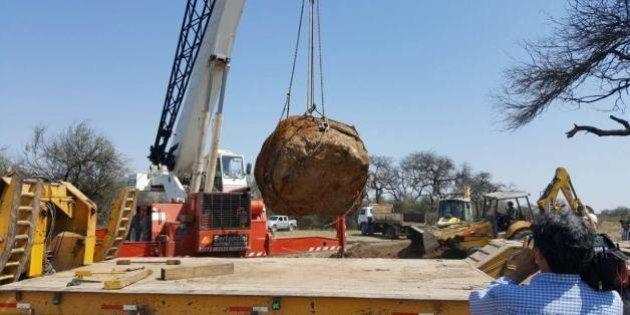 On vient de déterrer une des plus grosses météorites jamais