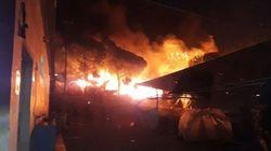 Un gigantesque incendie ravage un camp de migrants à