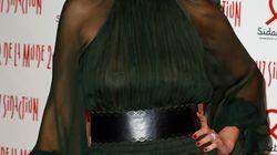 Cristina Cordula dévoile sa poitrine sur le tapis