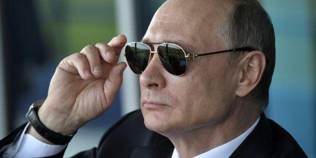 En réponse aux sanctions des États-Unis, Poutine annonce le renvoi de 755 diplomates