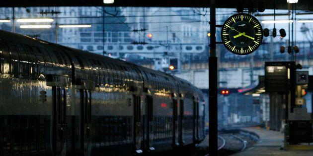 Pagaille à la Gare Montparnasse: les trains sont de plus en plus en retard (mais la SNCF a un