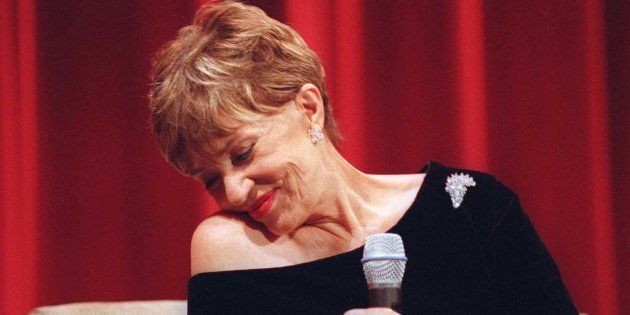 La voix si envoûtante de Jeanne Moreau? Une laryngite chronique due au tabac (Jeanne Moreau à Los Angeles)