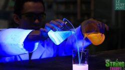 Ces substances réagissent aux ultraviolets pour un résultat