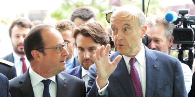 French President Francois Hollande (L) arrives with mayor of Bordeaux Alain Juppe to attend the International...