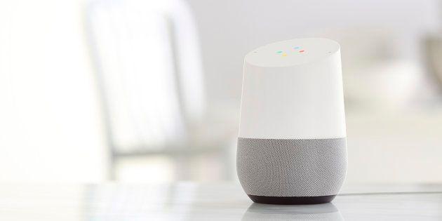 On a testé Google Home, le majordome virtuel qui veut gérer votre maison et votre