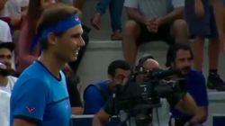 Rafael Nadal interrompt son match pour une jolie