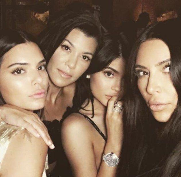 De gauche à droite: Kendall Jenner, Kourtney Kardashian, Kylie Jenner et Kim