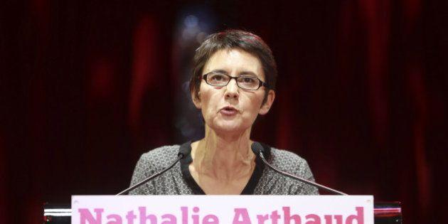 Au Cirque d'Hiver, Nathalie Arthaud tape sur