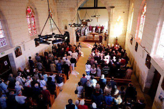 Les images de la réouverture de l'église de