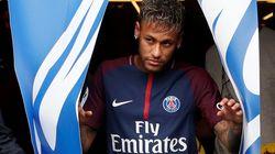 Gros sous et jonglerie: revivez la présentation de Neymar au