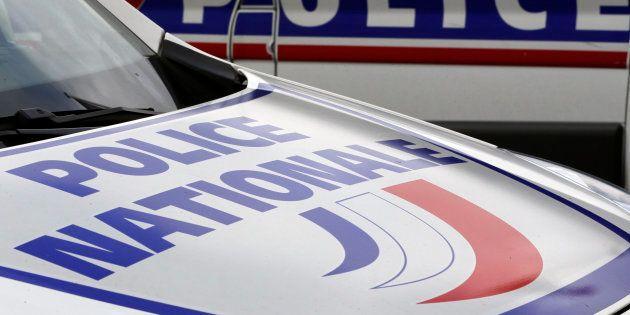 Un homme armé d'un couteau et d'une fausse ceinture explosive arrêté après une prise