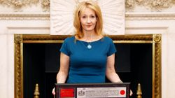 La guerre qui oppose J.K. Rowling aux pro-Trump sur Twitter est déjà