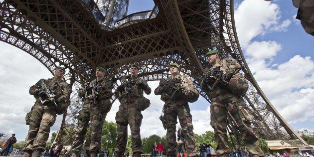 L'homme auxantécédents psychiatriques qui a forcé les contrôles de sécurité de la tour Eiffel avec un...