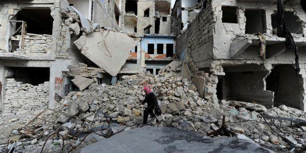 Dans les décombres d'Alep en Syrie le 30 janvier