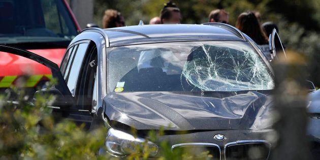 La BMW recherchée puis interceptée sur l'A16 par les forces de