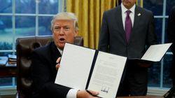 Comment marchent ces décrets que Trump signe sans rien demander à