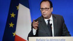 Hollande défend la fonction présidentielle assaillie de toutes