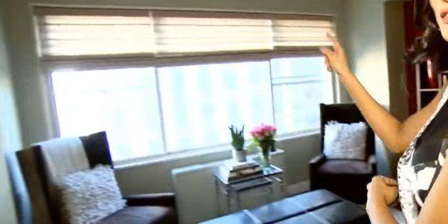 Le salon et la vue du nouvel appartement où vivra Iris Mittenaere pendant un