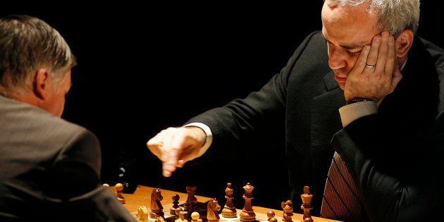 Garry Kasparov participe au tournoi Rapid and Blitz de Saint Louis, aux