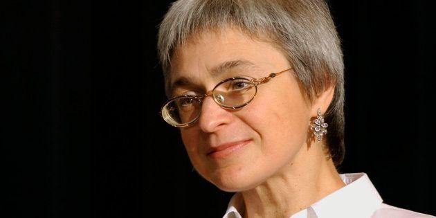 La journaliste russe de Novaïa Gazeta, Anna Politkovskaïa, en octobre 2002 à New