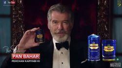 Le désopilant retour Pierce Brosnan en James Bond dans une pub indienne pour des