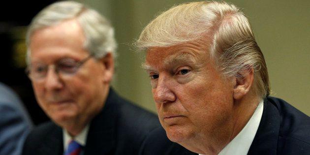 Mitch McConnell et Donald Trump à la Maison Blanche, le 1er