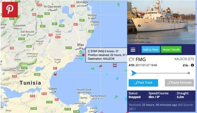 Le bateau anti-migrants se fait troller par ceux qu'il était venu