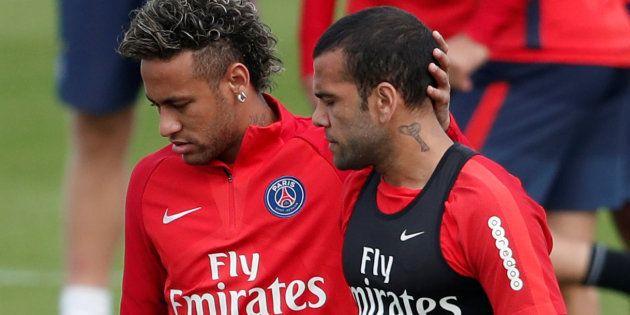 Neymar et Dani Alves à l'entraînement avec le