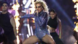Lady Gaga avait promis un show délirant et tolérant au Super Bowl. C'est