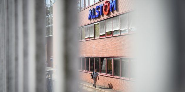 La façade de l'usine Alstom de Belfort, en