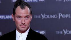 Jude Law a osé la houppette sur le tapis