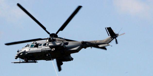 Un Eurocopter EC725 CARACAL de l'armée française. Paris juin 2009. REUTERS/Pascal Rossignol (FRANCE TRANSPORT