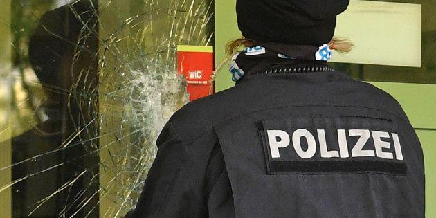 La traque de Jaber Albakr s'est achevée dans la nuit de dimanche à lundi en Allemagne. L'homme a été...