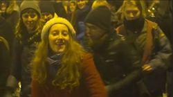 Ces Roumains ont une chorégraphie à eux pour protester contre leur