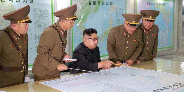 Kim Jong-Un met en pause son projet de tirs de missiles sur l'île de