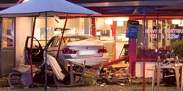 La voiture qui a foncé dans une pizzeria lundi 14 août au soir, à Sept-Sorts, en