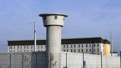 Un drone livre de la marchandise aux détenus d'une prison à