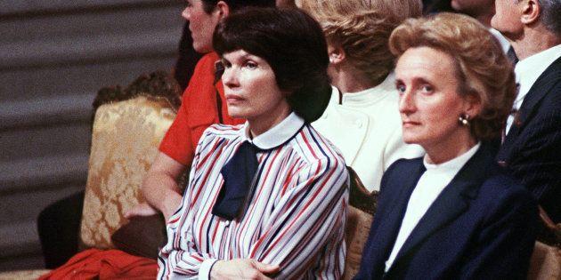 Les premières dames (ici Danielle Mitterrand et Bernadette Chirac) choisissent toujours des causes