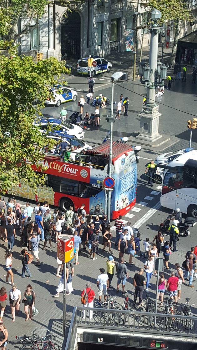 Ramblas de Barcelone: une fourgonnette fonce dans la foule, au moins 13