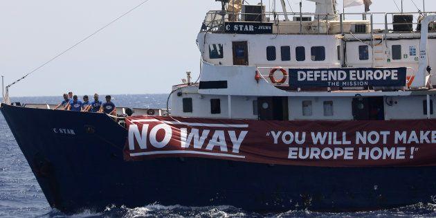 Le navire C-Star au nord des côtes libyennes, le 15
