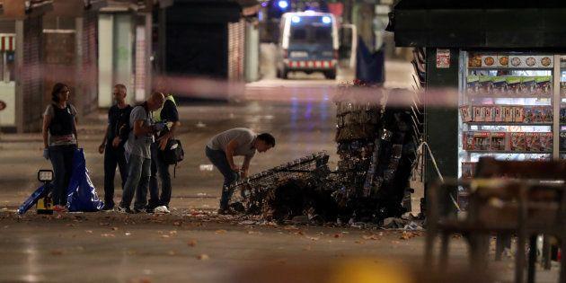 Attentat de Barcelone: 28 Français blessés, dont 8 gravement (Photo: la police espagnole à la recherche...