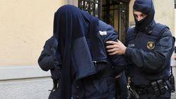 Érigée en exemple de l'antiterrorisme avant les attaques, ce que l'Espagne fait