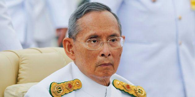 Le roi de Thaïlande Bhumibol Adulyadej à Bangkok en