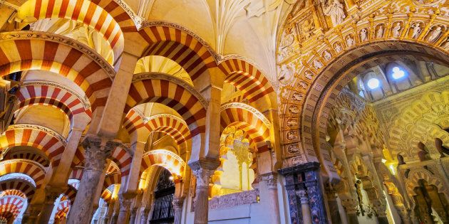 L'intérieur de la cathédrale Mezquita, anciennement la Grande Mosquée de Cordoue, en