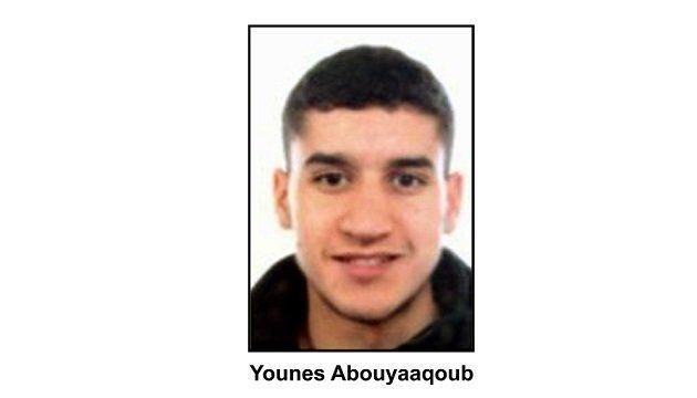 Attentats en Espagne: un suspect recherché, trois terroristes identifiés à Cambrils, le plus jeune avait...