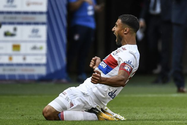 Lyon-Bordeaux: Nabil Fekir marque un but magistral à 54 mètres des cages